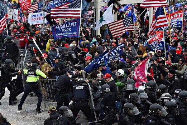 ایالات متحده آمریکا: کسانی که تظاهرات را تأمین مالی می کنند با حمله به پایتخت خاتمه یافت – جنگ ها و امپریالیسم