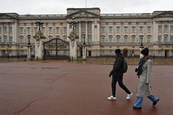 سرقت با سرقت در کاخ باکینگهام: ساقی ملکه دستگیر شده است