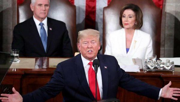 """ترامپ ، """"متمم چهاردهم برای ممنوعیت آن کافی است.""""  150 مظنون (از جمله پلیس) در حمله به کنگره"""