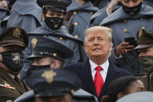 """""""رسواست که تسلیم می شود.""""  فریاد نبردی مقاومت ناپذیر دونالد ترامپ"""