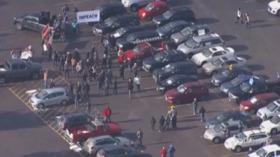 آمریکا ، اعتراضات در دنور: معترضین خواستار استیضاح ترامپ می شوند