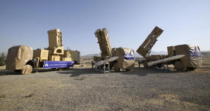 ایران در تمرینات موشک های دوربرد پرتاب می کند – فیلم