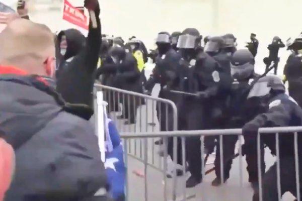 انتخابات ایالات متحده ، طرفداران ترامپ سعی می کنند وارد کنگره شوند: درگیری با پلیس – ویدئو