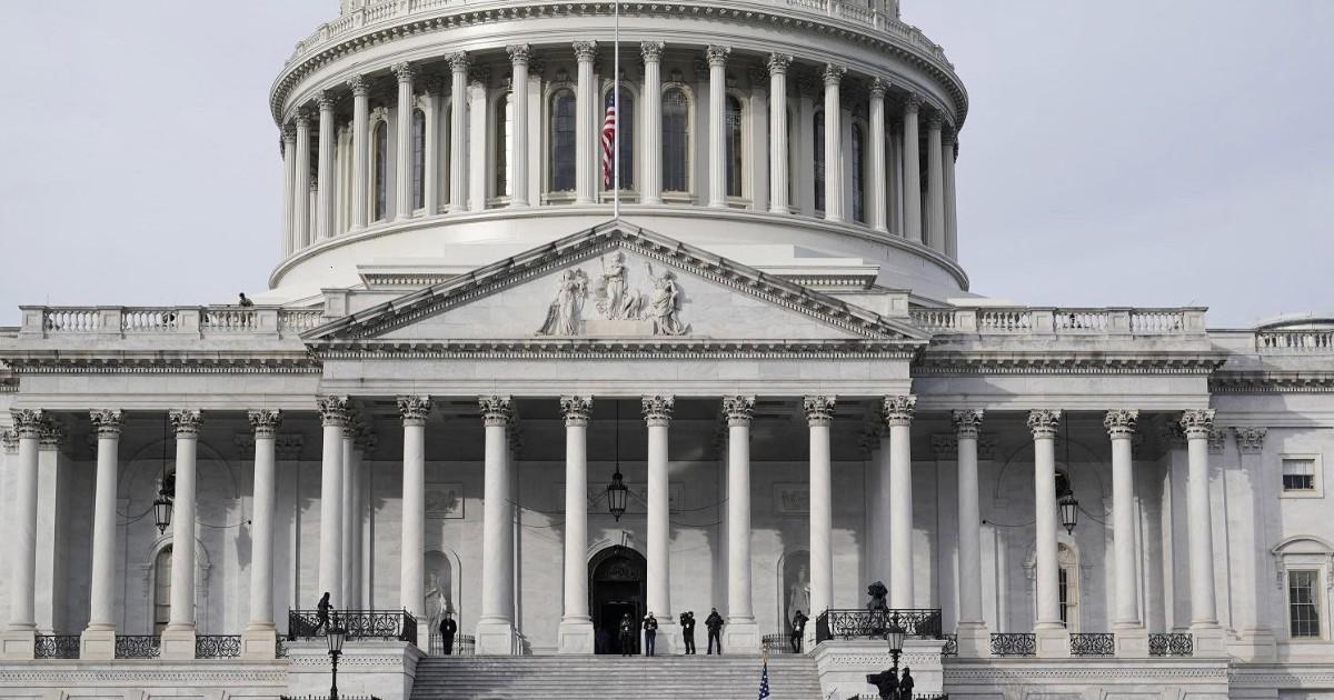 واشنگتن: یک تهدید امنیتی ، Capitol Hill به دلیل آتش سوزی در حوالی قفل شده است