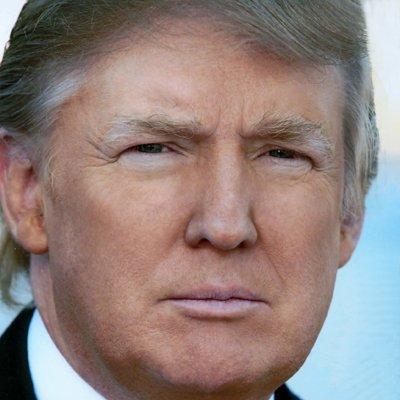 ترامپ آماده است که 100 نفر را عفو کند ، اما نه خودش