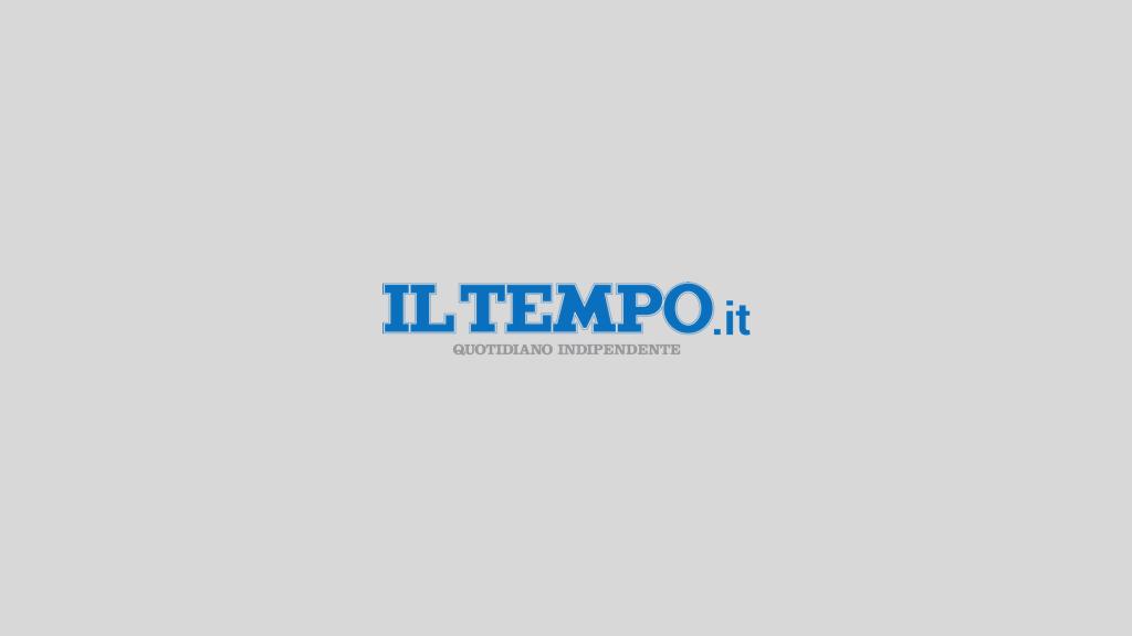 """تلفن زنگ خطر ، """"نود نفر در معرض خطر هستند ، اجازه دهید مالت مداخله کند"""" – Il Tempo"""