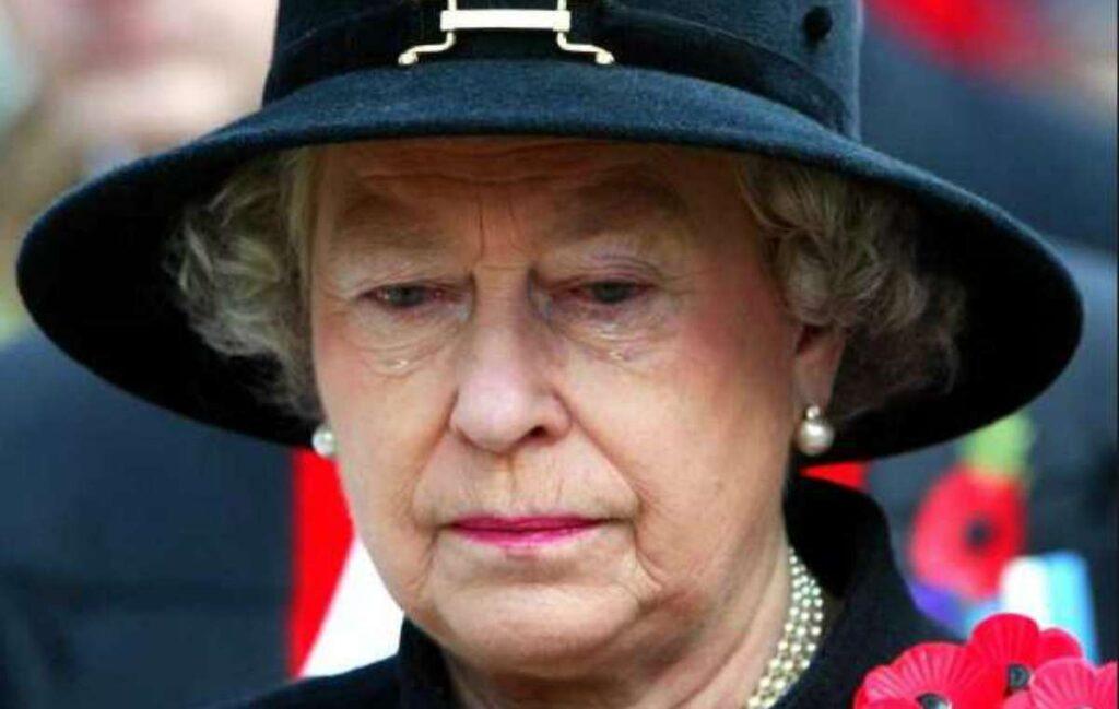 """انگلیس می لرزد ، وای برادرزاده ملکه: """"او در اتاق قلعه از من سو ab استفاده کرد"""" او اعتراف می کند: """"من مست بودم"""".  الیزابت احساس بدی دارد"""