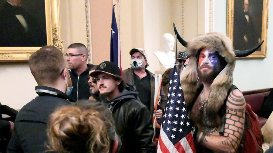 """محققان گفتند: """"کنگره می خواست آدم ربایی کند و بکشد.""""  شمن از ترامپ تقاضای رحمت می کند"""