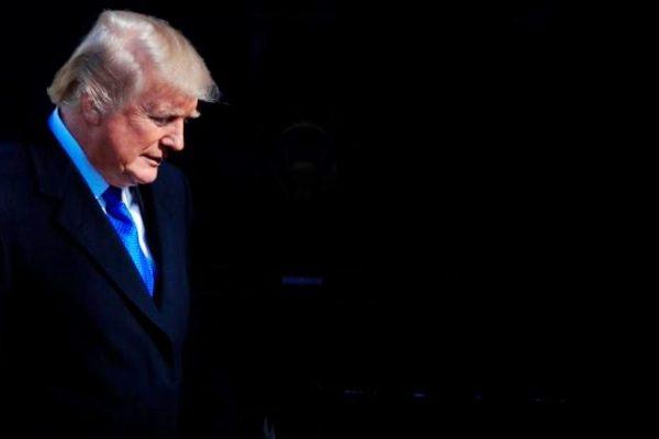 """بایدن ترامپ را """"لطف"""" می کند ، اما او تصمیم به ترک ندارد.  وزیران و مشاوران ، استعفای کاخ سفید در حال سقوط است"""