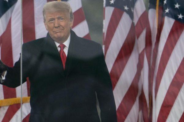 """ترامپ: """"من به روستا نمی روم.""""  بایدن: """"بهتر ، او رئیس جمهور بی کفایت است.""""  Pelosi: """"این ناپایدار است ، هیچ کد هسته ای وجود ندارد"""""""